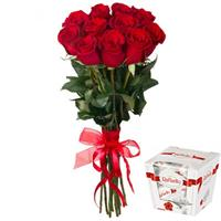 11 import roses and Rafaello