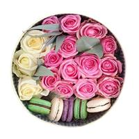 Composition with roses and macaroons