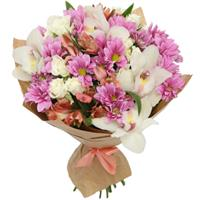 Bouquet of orchids and spray chrysanthemum
