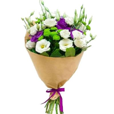 Bouquet with eustomess and chrysanthemum